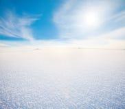 Schneeberg und blauer Himmel lizenzfreies stockfoto