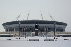 Schneeblizzard und -stadion auf der Krestovsky-Insel Stockbild