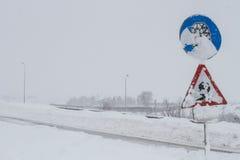 Schneefälle auf Hochgeschwindigkeits Lizenzfreie Stockfotos