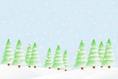 Schneefälle im Winterwald. Stockfoto