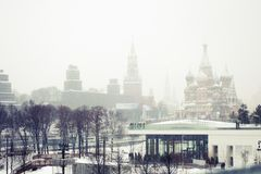 Schneefälle in Moskau, Russland Russischer Winter Lizenzfreies Stockfoto