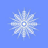 Schneeflocke auf blauem Hintergrund für Wintereinladungskarte, Vektorlogo-Ikonenschablone Lizenzfreie Stockbilder