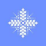 Schneeflocke auf blauem Hintergrund für Wintereinladungskarte, Vektorlogo-Ikonenschablone Stockfotografie