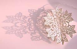 Schneeflockedekoration Stockfotos