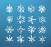 Schneeflockenwinter Satz der Flocke des Schnees auf dunkelblauem Hintergrund lizenzfreie abbildung