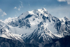 Schneegebirgszug in Ladakh Stockbild