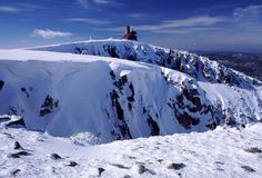 Schneehöhle. Stockfoto