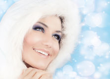 Schneekönigin, schöne Frau in der Weihnachtsart Lizenzfreies Stockfoto