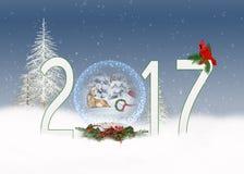 Schneekugel des Weihnachten 2017 mit Kardinal und Schneemann Lizenzfreie Stockbilder
