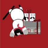 Schneemann mit Geschenken auf rotem Hintergrund Lizenzfreies Stockfoto