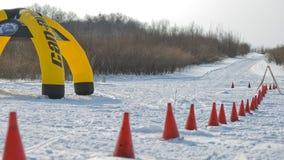 Schneemobil fahrung im Wettbewerbswintersprint 2014 Stockbild