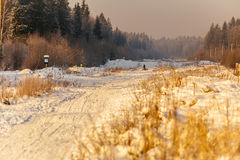 Schneestraße an sunrise_5 Lizenzfreies Stockfoto