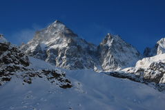 Schneesturm auf Monviso Stockfotos