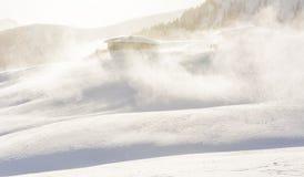 Schneesturm in den Bergen zur Winterzeit Berge von Trentino Alto Adige, Süd-Tirol Stockfotografie