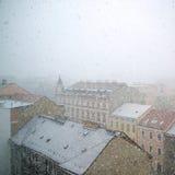 Schneesturm in der Stadt Stockfoto
