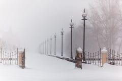 Schneesturm in der Stadt Stockbild