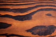 Schneidebrett von gebranntem Holz Stockfoto