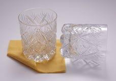 Schneiden-Gläser und Papiernapking Lizenzfreie Stockbilder