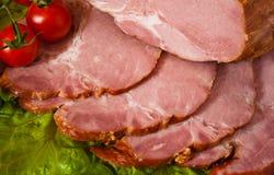 Schneiden Sie das Fleisch, das mit Kirsche köstlich ist Lizenzfreie Stockfotos
