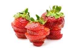 Schneiden Sie Erdbeeren. Stockfoto