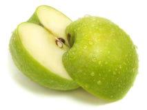 Schneiden Sie getrennt frischen grünen Apfel Lizenzfreies Stockbild