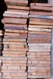 Schneiden Sie Holz, hölzernen Schneider Lizenzfreie Stockfotos