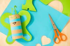 Schneiden Sie Papier- und gemachten Schmetterling von handgemachtem Stockfotografie