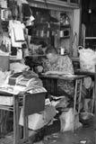 Schneider, der an einem Shop in Penang arbeitet Stockbilder