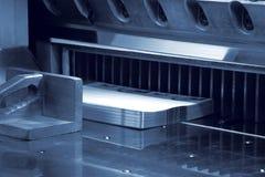Schneider in einer Druckerei Lizenzfreies Stockbild