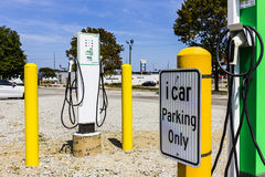 Indianapolis - Circa September 2017: Schneider Electric EVlink Fast Charge Electric Vehicle Charger II Royalty Free Stock Photo