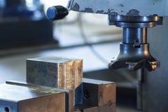 Schneider von Fräsmaschine CNC Stockfotos