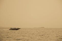 Schnellbootsegeln lizenzfreies stockfoto