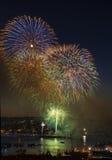 Schnelle Zündung der Feuerwerke auf See-Anschluss Washington Stockfotos