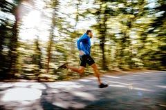 Schneller laufender Mannläufer Lizenzfreies Stockbild