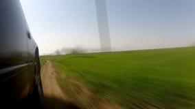 Schnelles Fahren auf eine Landstraße