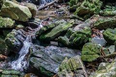 schnelles Stromwasser lizenzfreies stockbild