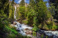 schnelles Stromwasser Lizenzfreies Stockfoto