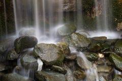 schnelles Stromwasser Stockfoto