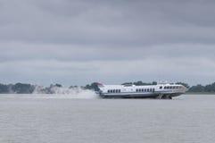 Schnelles Tragflügelboot Stockfotos
