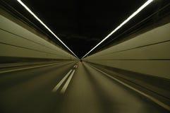 Schnellfahren in Tunnel Stockbild