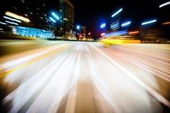 Schnellfahrenbewegungsunschärfe Stockfotografie