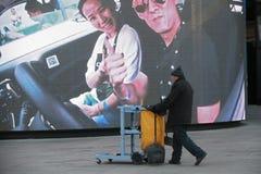 Schnellporträt eines Müllabfuhrmannes Lizenzfreie Stockfotografie