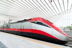 Schnellzug in Italien Stockbild