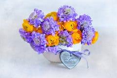 Schöner Blumenstrauß der Blumen Stockfotografie