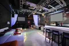 Schöner europäischer Nachtclubinnenraum Stockfotografie