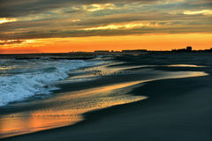 Schöner Ozean-Sonnenuntergang Stockfotos