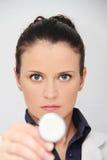 Schöner weiblicher Doktor mit Stethoskop Lizenzfreie Stockfotos