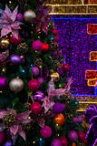 Schöner Weihnachtsbaum Lokalisierung auf Weiß Lizenzfreie Stockfotos