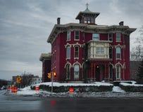 Schönes altes gotisches Haus Stockfotografie