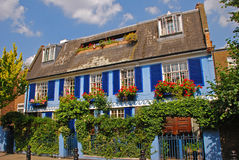 Schönes blaues Haus um Notting Hill Stockfotos